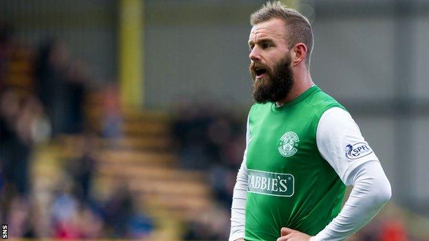 Hibs striker Rowan Vine