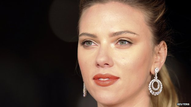 Scarlett Johansson on the red carpet for the movie Her at the Rome Film Festival