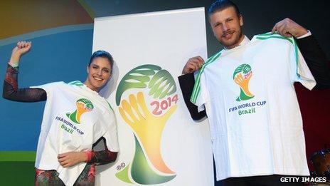 Fernanda Lima (l) and Rodrigo Hilbert (r)