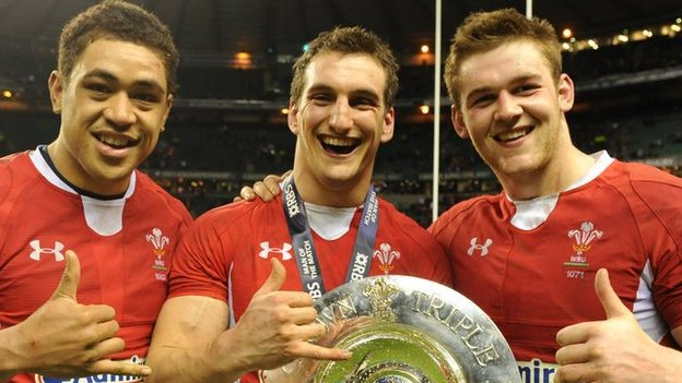 Toby Faletau, Sam Warburton and Dan Lydiate celebrate Wales' 2013 Six Nations title