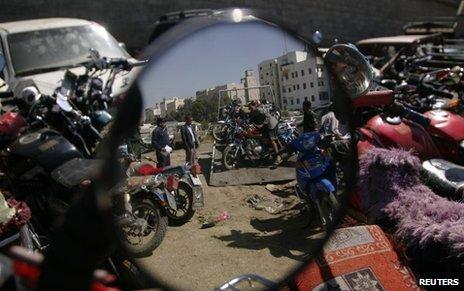 Unloading seized bikes