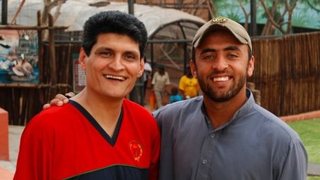 Emal Pasarly in 2009 with the Afghan cricket player Noor Ali
