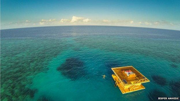 Manta underwater hotel room