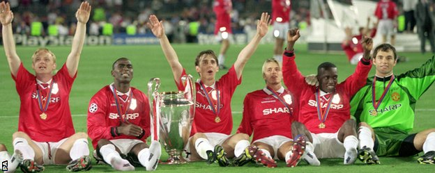 Manchester United celebrate winning the 1999 European Cup