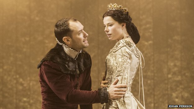 Jude Law as Henry V and Jessie Buckley as Princess Katharine
