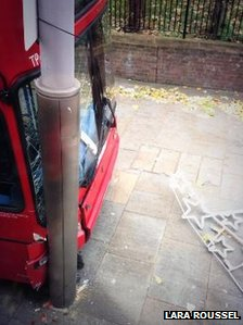 Bus crashed into a lamppost