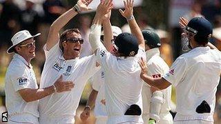 Graeme Swann takes the final wicket against Australia