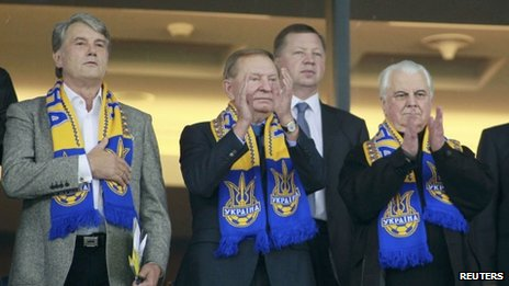 Ukraine's former Presidents Viktor Yushchenko (L), Leonid Kravchuk (R) and Leonid Kuchma (centre) stand before the 2014 World Cup qualifying soccer match between Ukraine and England at the Olympic stadium in Kiev September 10, 2013