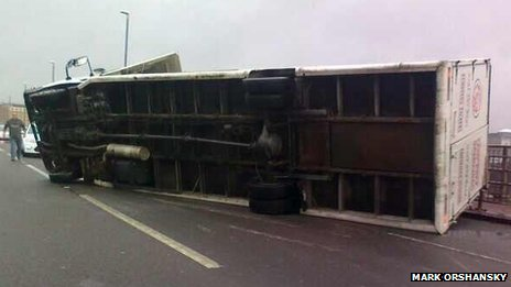 Lorry overturned on Redheugh Bridge