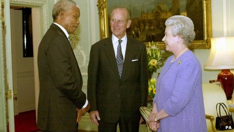 Nelson Mandela with the Queen and Duke of Edinburgh in 2000
