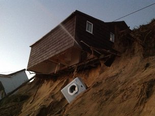 House hanging over the cliff