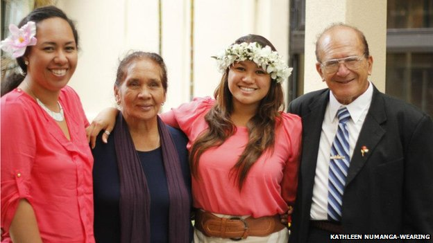 Jake (R) pictured with Kahlia (L), his granddaughter Halialani and wife Kate