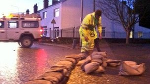 Sandbags being placed in Keadby