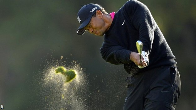 Tiger Woods in second-round action at the Sherwood Country Club