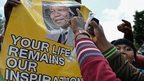 Mourners outside Mandela home in Houghton. 7 Dec 2013