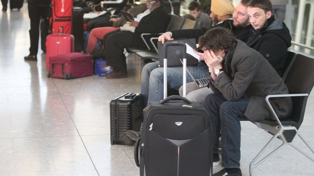 Phone glitch causes UK flight delays...