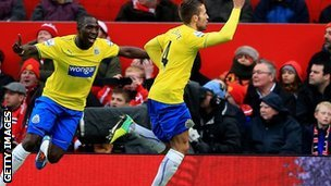 Newcastle United's Yohan Cabaye celebrates