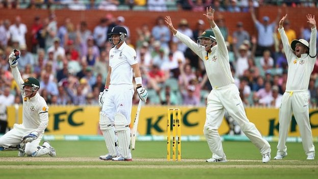 England face heavy defeat in Adelaide...