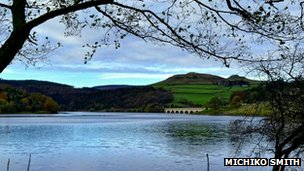 Wintry photo of Ladybower Reservoir