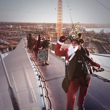 Santa on top of the O2