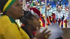 Worshippers at Regina Mundi Catholic Church in Soweto (8 Dec 2013)
