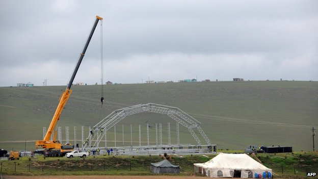 A stage is being built in the village of Qunu for next Sunday's funeral
