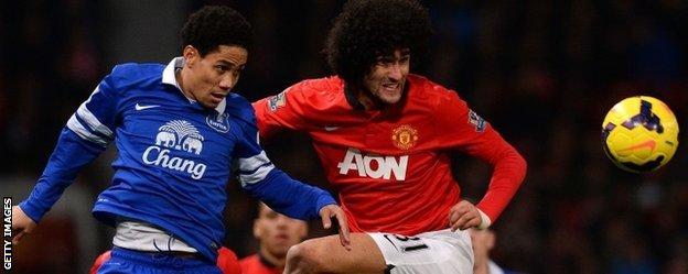 Marouane Fellaini (r) joined Manchester United for £27.5m on deadline day in September