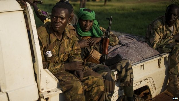 Former Seleka militiamen are still in evidence in Bangui despite the arrival of French troops