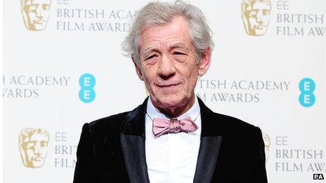 McKellen 'urged not to go to Russia'...