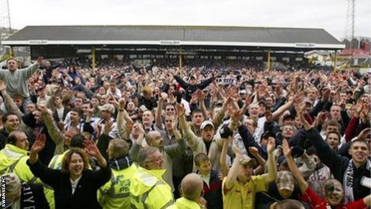 Swansea fans celebrate in 2003