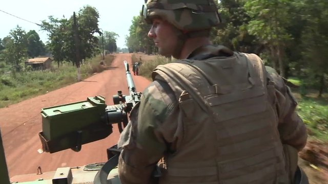 VIDEO: France begins to disarm CAR militias...