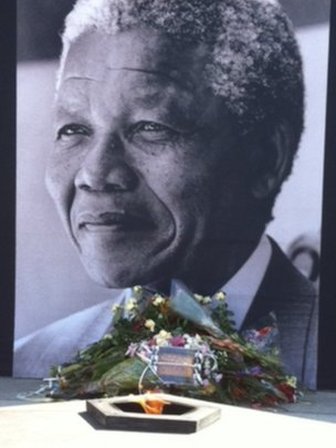 Tribute outside parliament in Cape Town