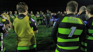 Lomu talks to the Guernsey academy squads