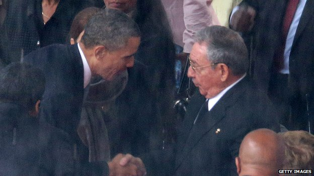 US President Barack Obama shakes hands with Cuban leader Raul Castro
