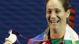 Michaela Breeze winning silver in Delhi