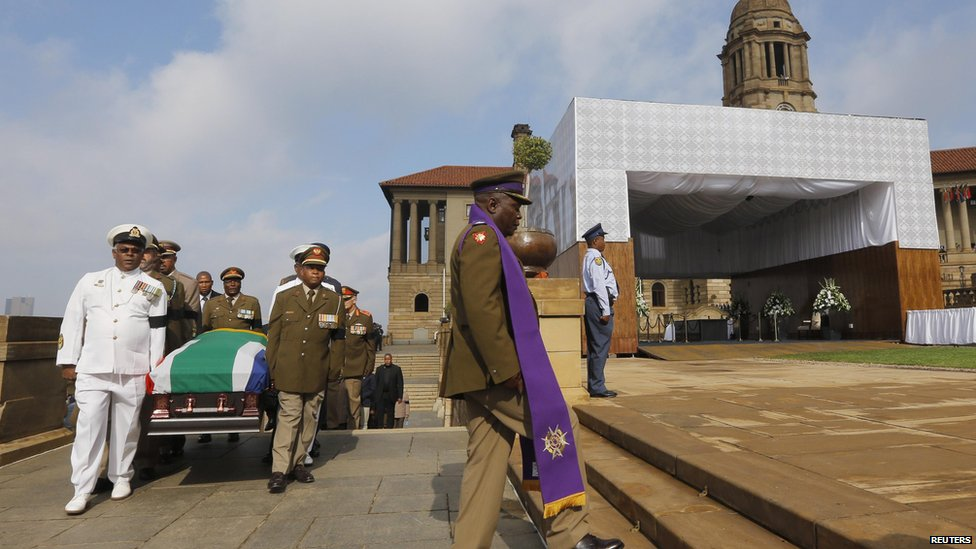 Nelson Mandela's coffin arrives at Union Buildings