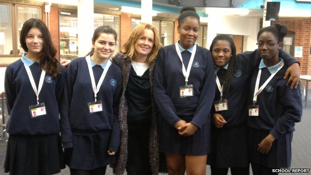 Kirsty Lang with School Reporters from Highbury Fields
