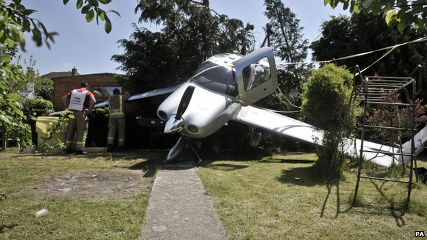 Light aircraft crash-lands in Cheltenham garden