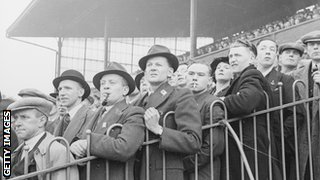 Football fans in the 1940s