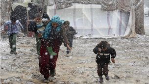 Syrian refugees in the Bekaa valley in Lebanon (12 Dec 2013)