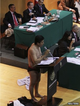 Mexico MPs scuffle over energy bill...