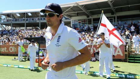 Alastair Cook leads England out at Perth