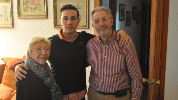 Alberto with his parents
