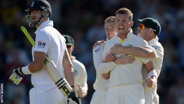 Peter Siddle dismisses Kevin Pietersen