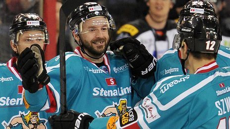UK: Elite League Leaders Belfast Giants Beat Sheffield