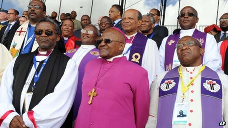 Archbishop Desmond Tutu and other prelates attend Mandela's burial