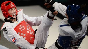 Jade Jones fights Eva Calvo