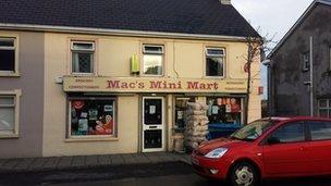 Mac's Mini Mart