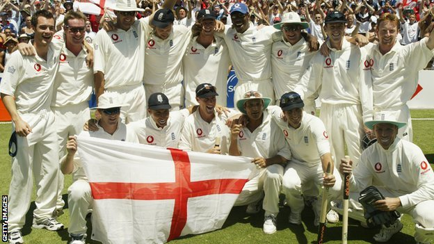 England celebrate in Sydney in 2003