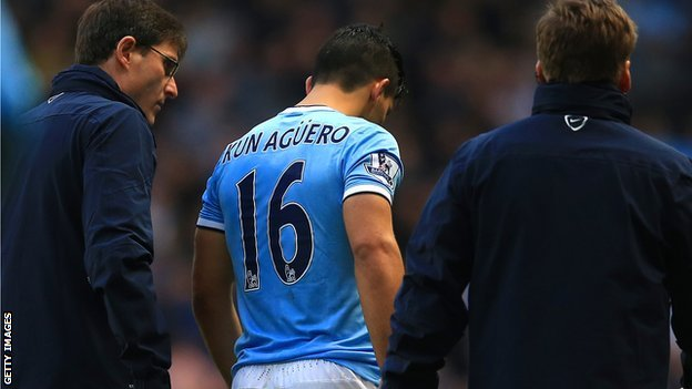 Sergio Aguero hobbles off after getting injured against Arsenal